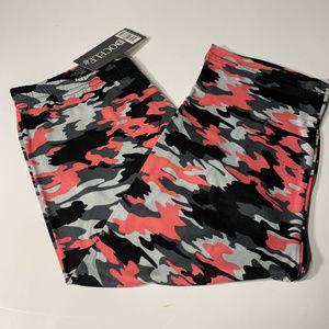 Docele Fashion Womens Capri Camouflage Leggings